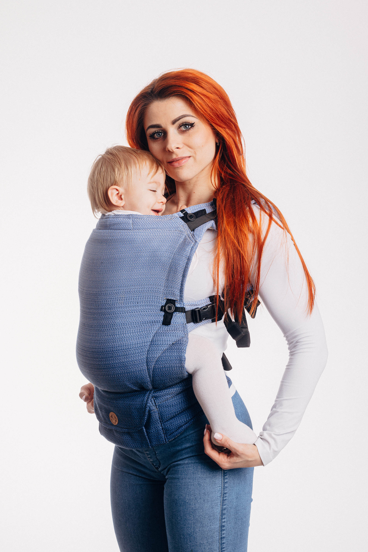 Portage en porte-bébé physiologique